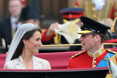 Catherine a William při slavnostní cestě Londýnem