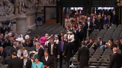 Svatební hosté ve Westminsterském opatství