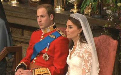 Williama a Catherine během svatebního obřadu